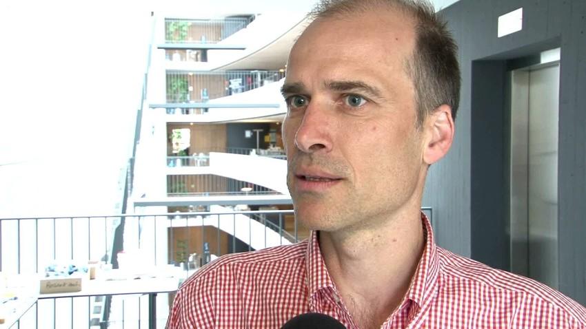 Video thumbnail for BAG-Experte Michael Beer: «Die Schweizer Bevölkerung ist überhaupt nicht - 514