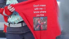 Overraskelsesfest for postbud på Tind i Lofoten
