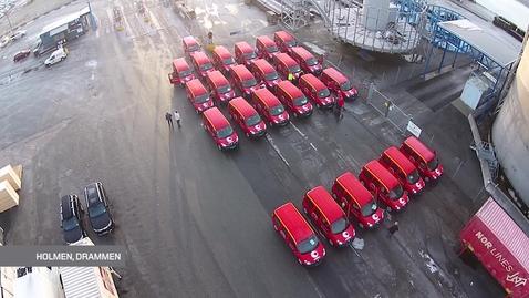 Thumbnail for entry Verdens lengste kortesje av elektriske postbiler