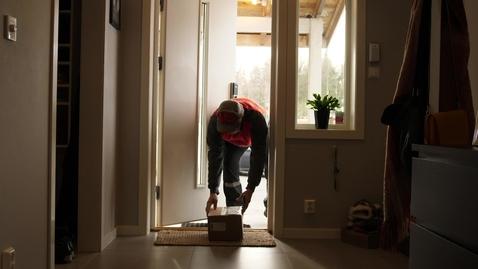 Thumbnail for entry Innenfor (bak låste dører)