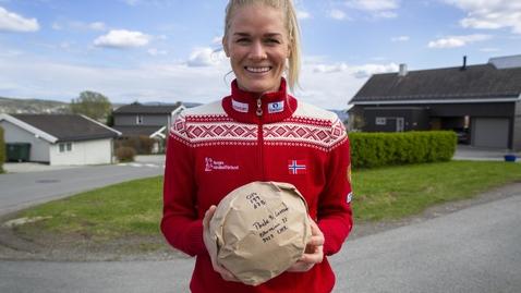 Thumbnail for entry Se Veronica Kristiansen overraske heldig Reistad-spiller