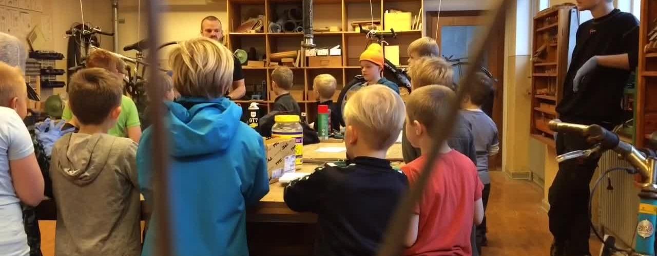 Frivillige gav elever en anderledes skoledag