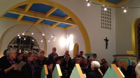 Thumbnail for entry Smukt solnedgang , smukt Hogager Kirke og smukt sang med med Flyndersøkoret