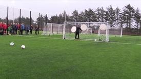 Thumbnail for entry Indvielse af kunststoffodboldbane og udendørs aktivitetsområde