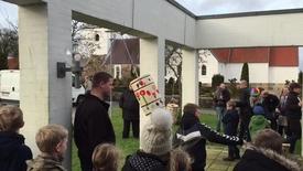 Thumbnail for entry Tøndeslagning i Aulum kirkehus