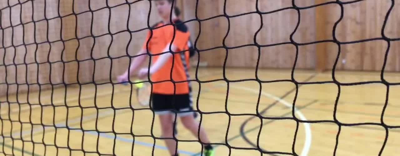 Badminton med besværligheder