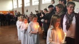 Thumbnail for entry Julehygge med Lucia og juleoptog.
