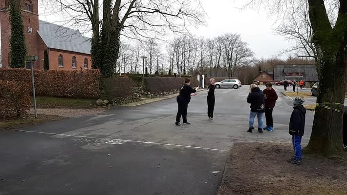 Børn løber for Børn - team Rynkeby skoleløbet i Børnenes Alle` Fjelstervang