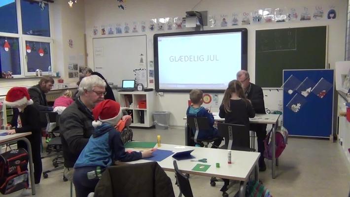 Juleklippedag med bedsteforældre på Fjelstervang skole