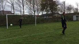 Thumbnail for entry Fodboldtræning med 3 FC Midtjylland spillere