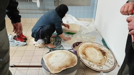 Thumbnail for entry Fællesspisning på asylcenteret