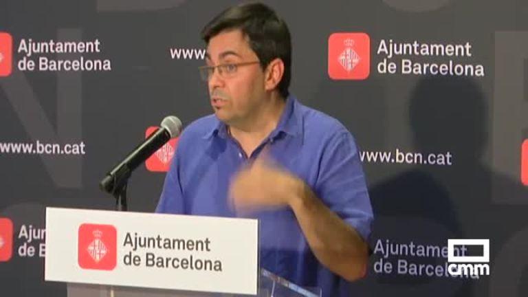 La alcaldesa de Barcelona, Ada Colau, paraliza la cesión de colegios para el 1-O tras la suspensión del Constitucional