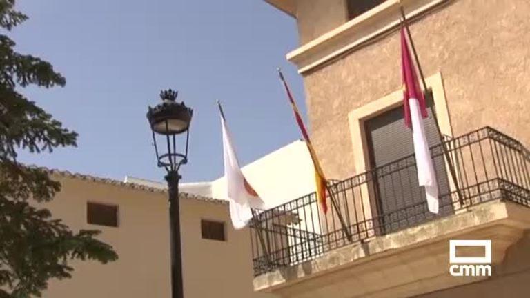 Polémica en La Roda por el cartel de una misa con simbología franquista