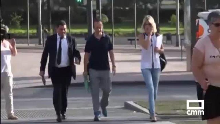 Juana Rivas en libertad provisional tras pasar por los juzgados de Granada