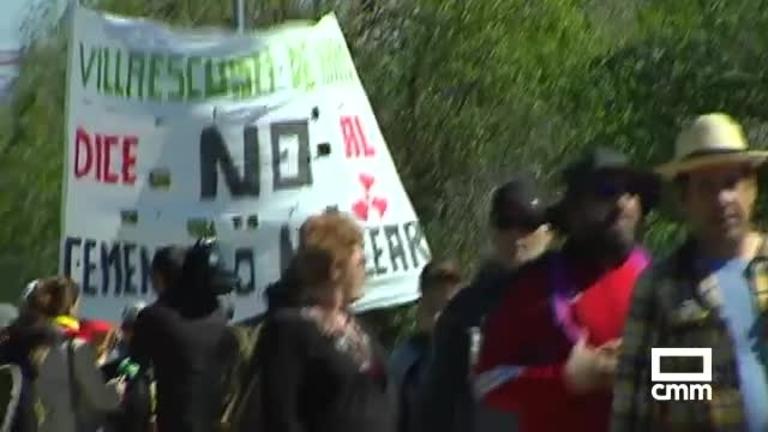 Novena marcha de protesta contra el ATC en Villar de Cañas