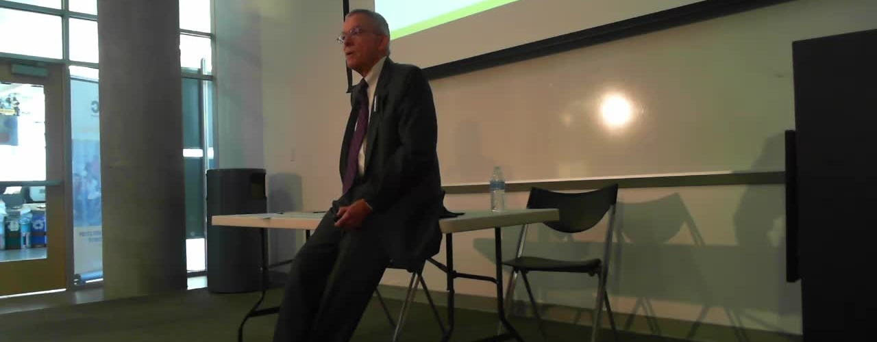 Professor Tannahill Lectures on the 2016 Presidential Election.