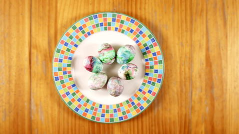 Thumbnail for entry Family Activity - Marbleized Eggs