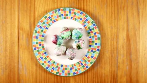 Thumbnail for entry Family Activity - Marbleized Eggs