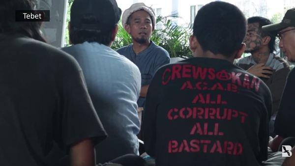 Pengajian Punk di Kolong Jembatan Jakarta