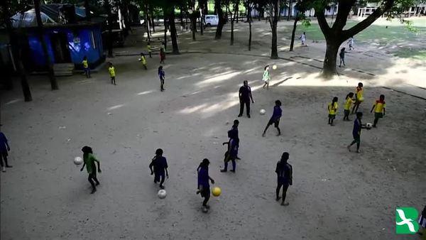 বাংলাদেশে কলসিন্দুরের মেয়েদের ফুটবলে সাফল্য