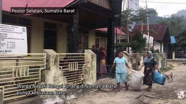 Komunitas di Sumatra Barat Hasilkan Bensin dari Sampah Plastik Warga Nagari