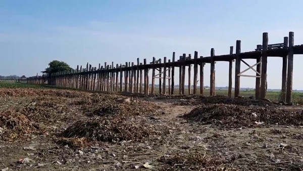 Tourism Dries Up at Popular Myanmar Bridge Under Coronavirus Restrictions