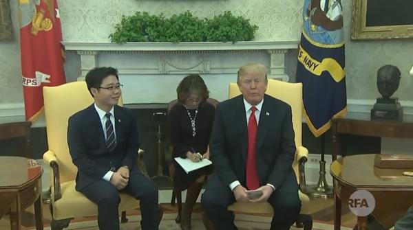 트럼프 대통령, 백악관서 탈북자들 면담