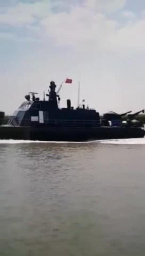 북중 국경 해상을 순찰하고 있는 북한 국경경비대 함정