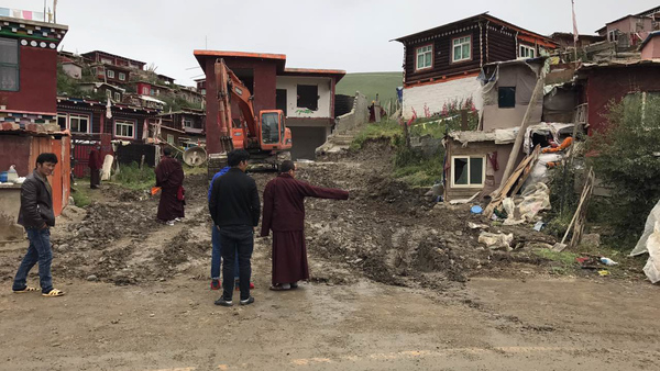 China Orders Demolition of Thousands of Homes at Tibetan Buddhist Center