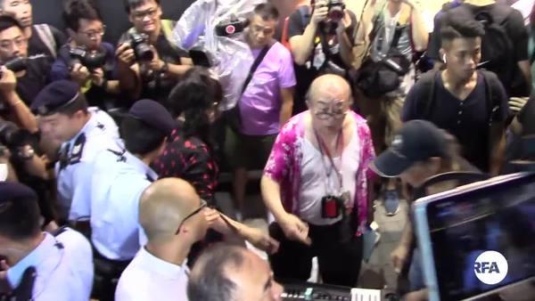 旺角街頭表演者轉戰尖沙咀 團體示威斥噪音起衝突