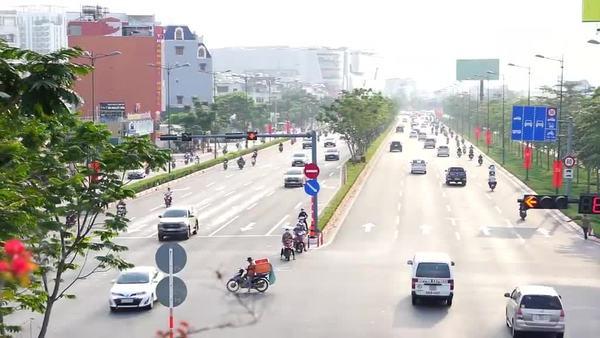 Giới tài xế than trước việc giãn cách xã hội 19 tỉnh thành phía Nam