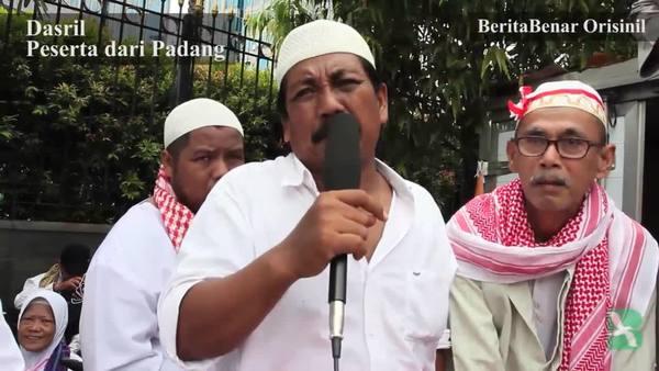 Jokowi Ikut Sholat Demo 2 Desember