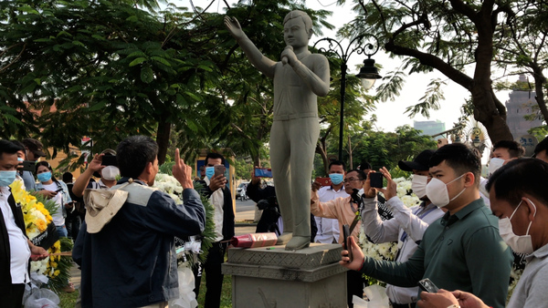 Cambodian Activists Mark Anniversary of Union Leader's Murder
