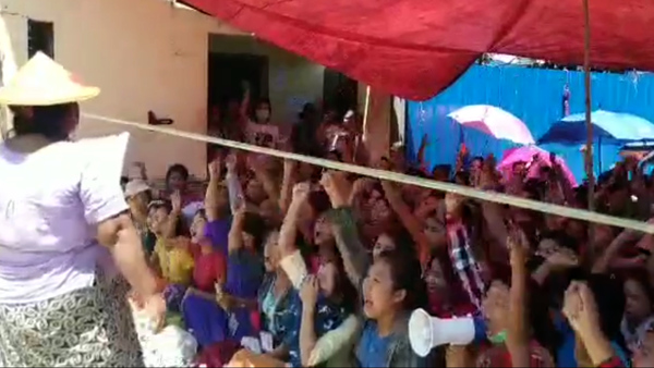 Myanmar Factory Workers Protest for Paid Leave During Coronavirus Outbreak