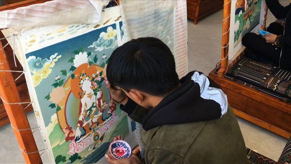 Tibet's 'Thangkas' Find New Fans Across China