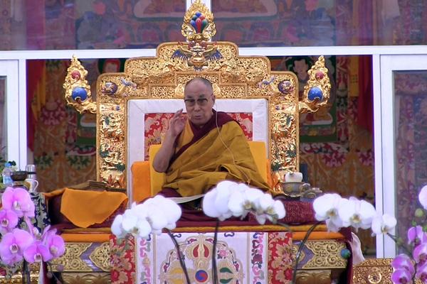 Dalai Lama Leads Major Buddhist Gathering in India
