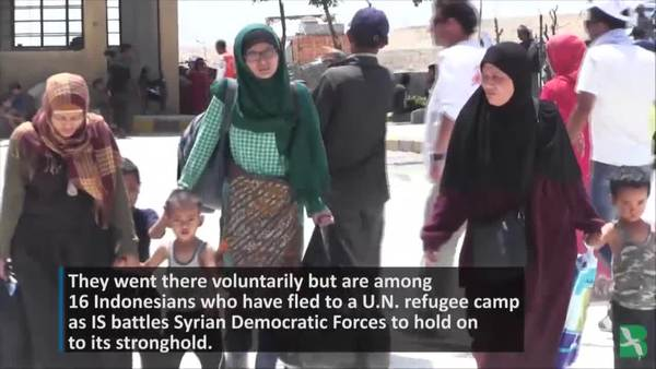 Indonesian Women Flee IS Stronghold in Syria