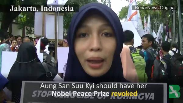 Asian Muslims Protest Violence Against Rohingya