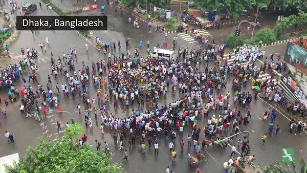 Students Protest Road Deaths in Bangladesh