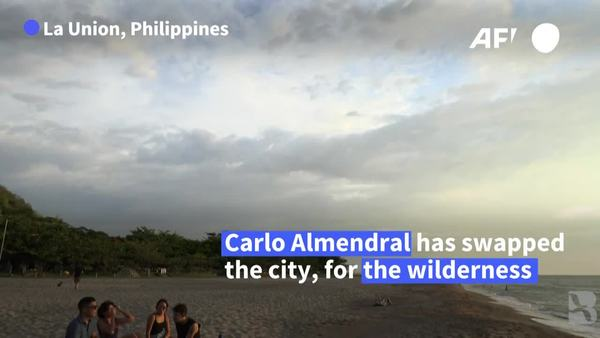 Fed up with Manila Lockdowns, Digital Workers Telecommute from Beach