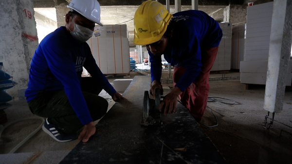 Cambodian Migrant Workers in Thailand Face Deportation or Imprisonment Under New Regulation