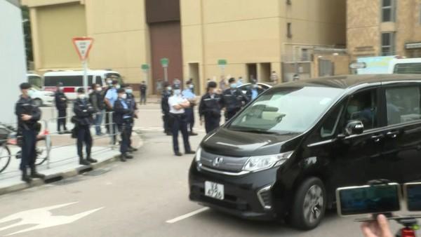 """China Returns Eight of """"Hong Kong 12"""" to Hong Kong Police"""