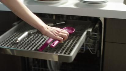 Third Level Rack - Whirlpool Dishwashers - Alt - LEARN Whirlpool