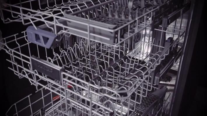 Dual Power Filtration vs. A Whole Meal - Maytag® Dishwashers