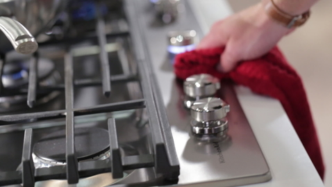 Thumbnail for entry CookShield Finish on Cooktops - KitchenAid Brand