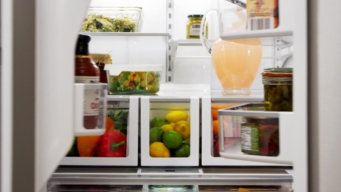 Thumbnail for entry EasyView™ Triple Crisper System - Whirlpool Refrigeration