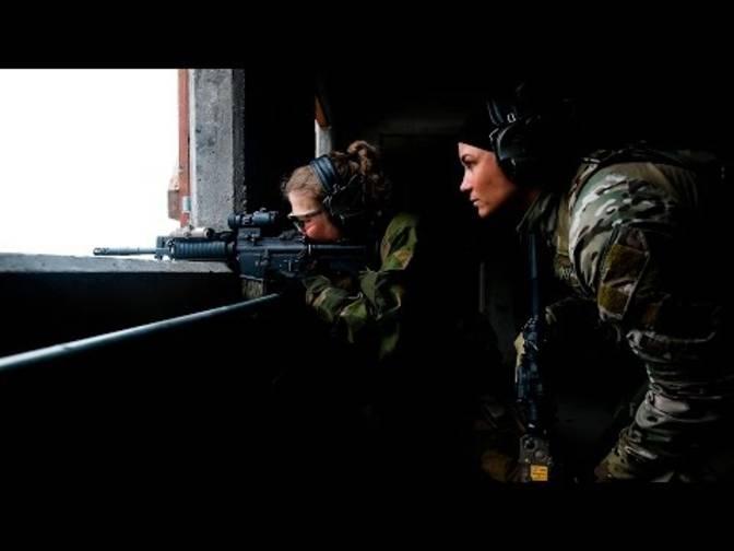 Weibliche militärische Brieffreunde
