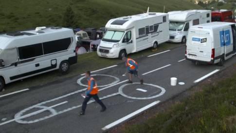 """Für eine """"saubere"""" Tour de France: Diese zwei Männer machen Jagd auf Phallus-Symbole"""