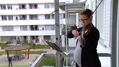 Tägliches Geigenkonzert: Violinistin verzückt Nachbarn