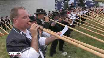 Folkloristisches Stelldichein mit mehr als 180 Alphörnern